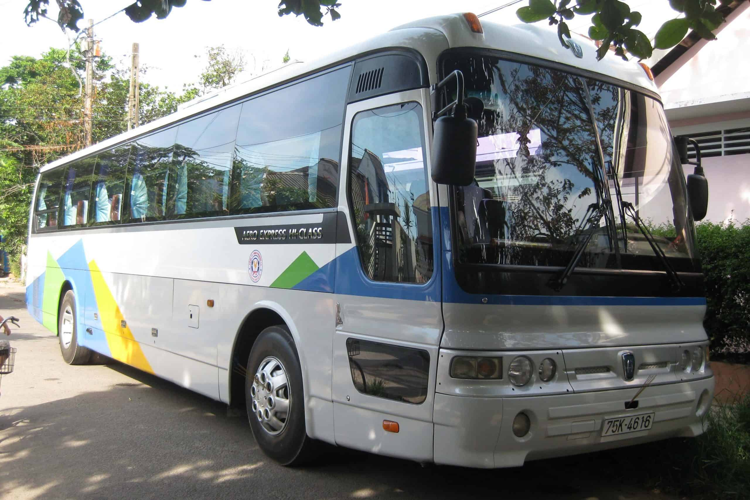travel from Hue to Hoi An by bus