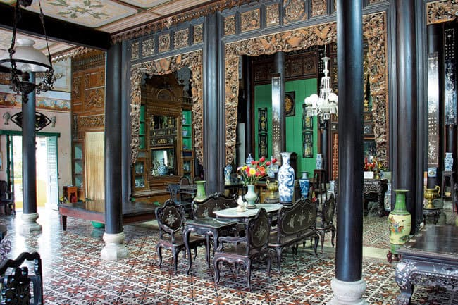 binh-thuy-ancient-house-inside
