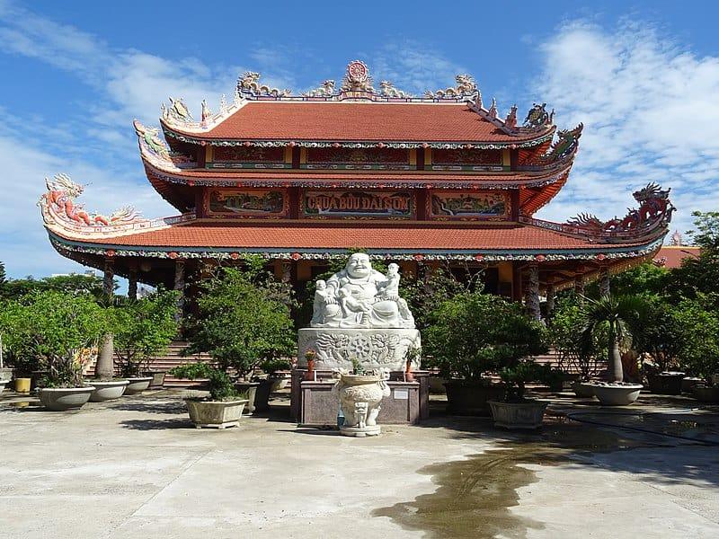 Buu Dai Son Pagoda Statue