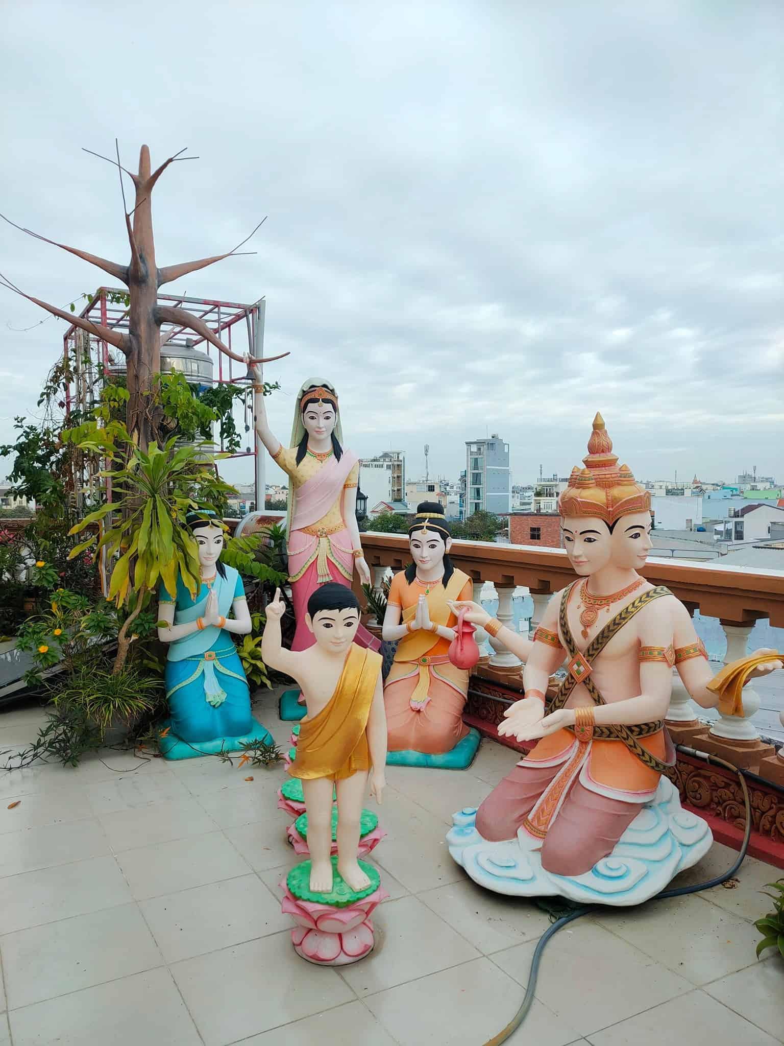 Pitu Khosa Rangsay Pagoda Balcony