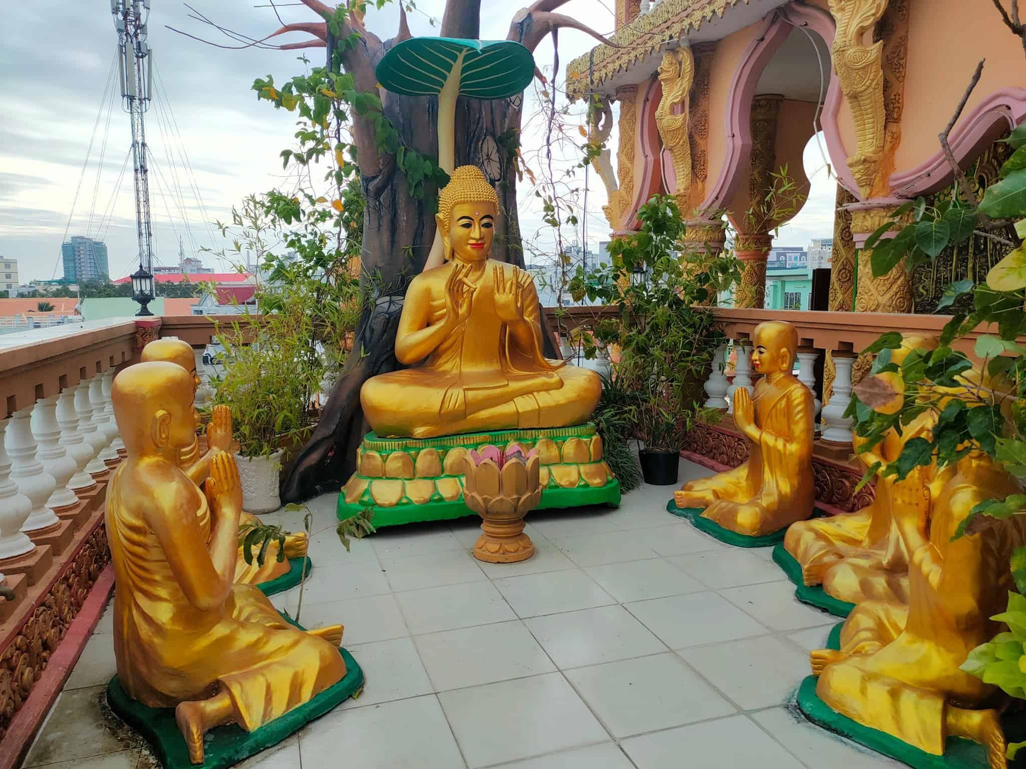 Pitu Khosa Rangsay Pagoda Terrace