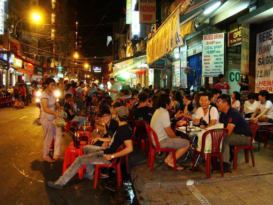 Coffee shops in Bui Vien street
