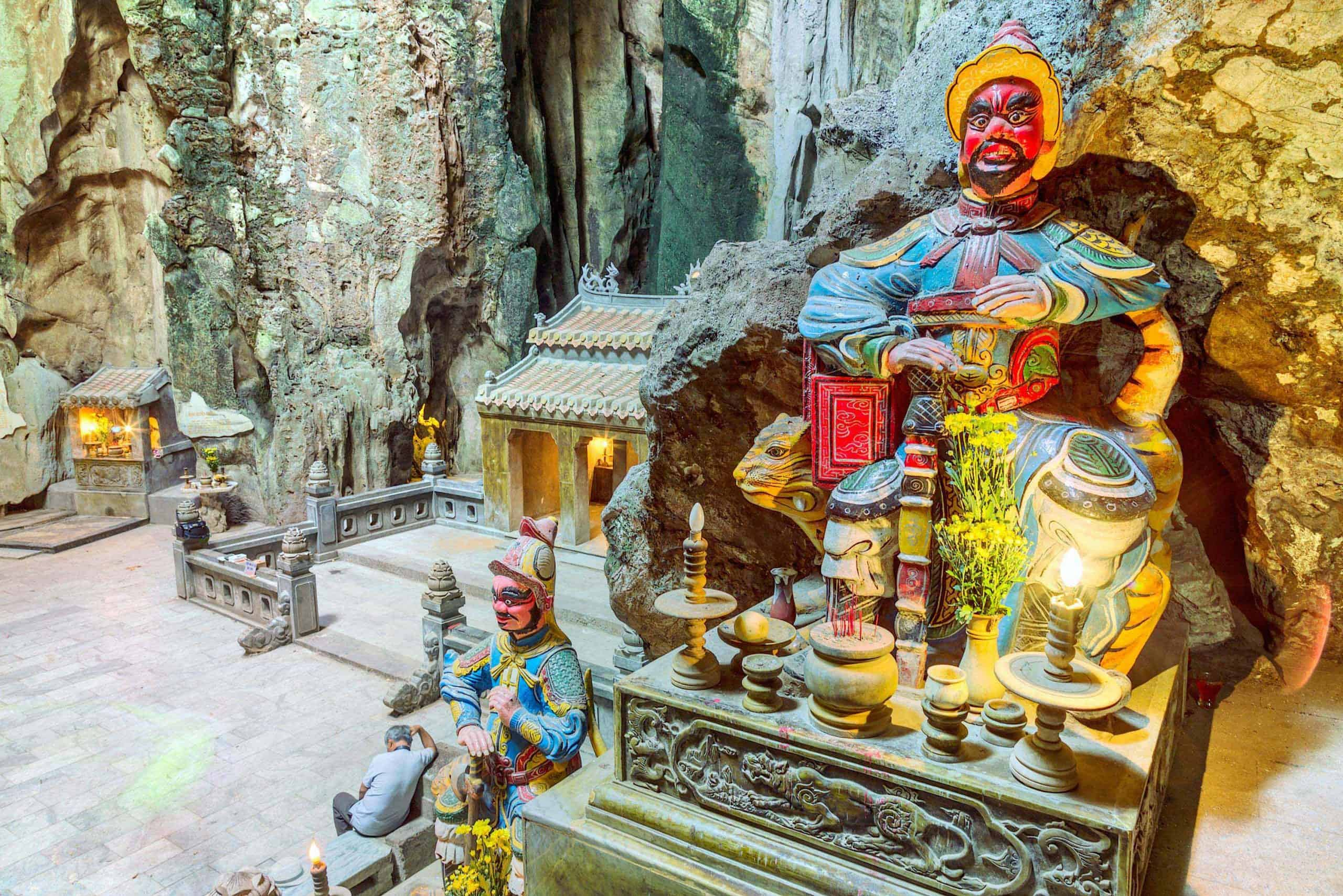 Highlights of Hoa Nghiem cave
