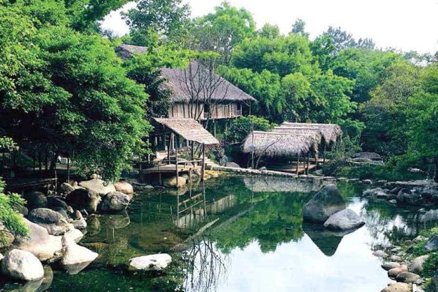Overview of Luong Duong springs in Danang