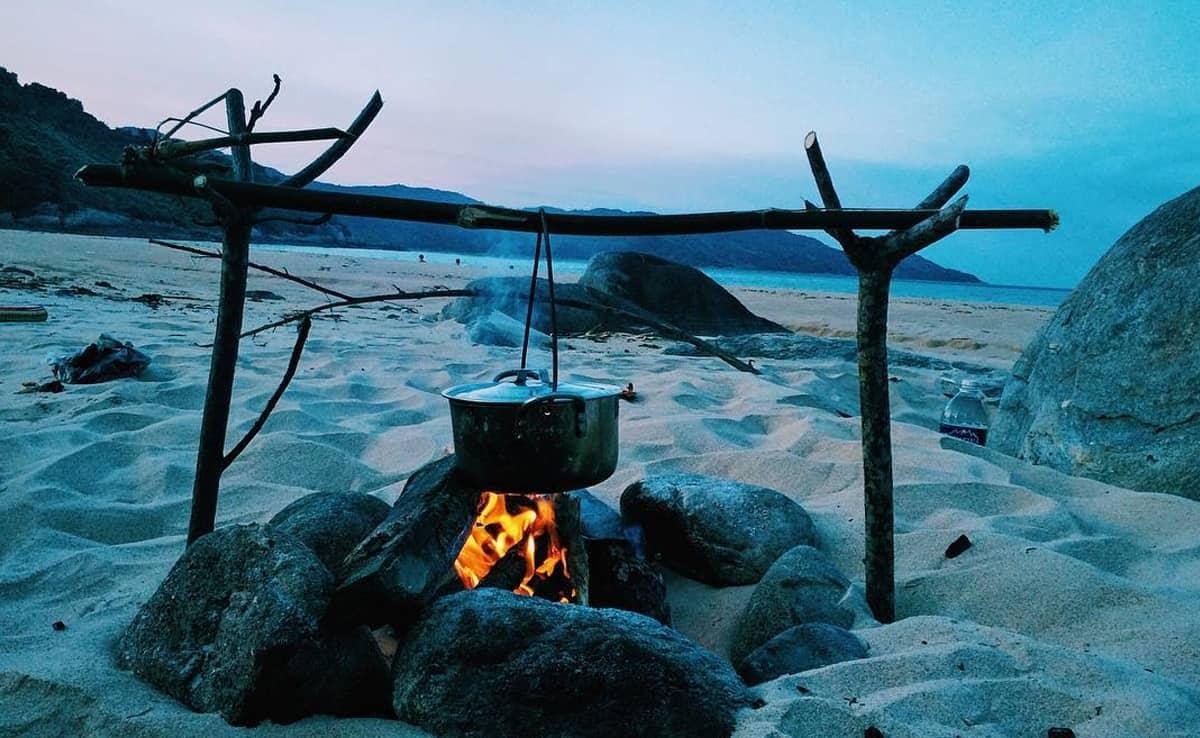 van-village-barbecue