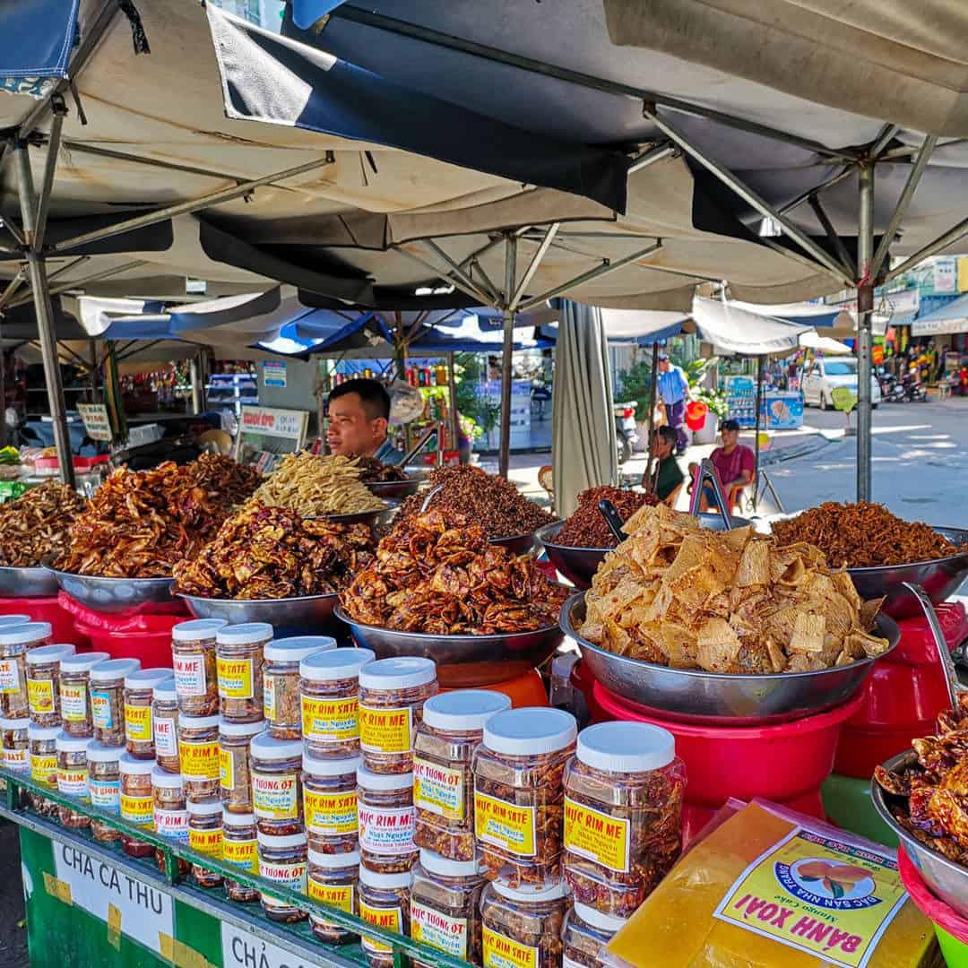Local specialties in Cho Dam Market
