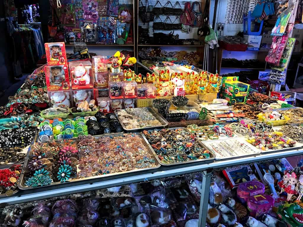 What to buy in Dam Market