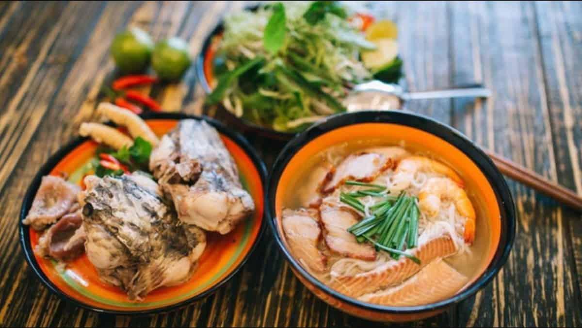 Bun nuoc leo - best dishes in Mekong Delta